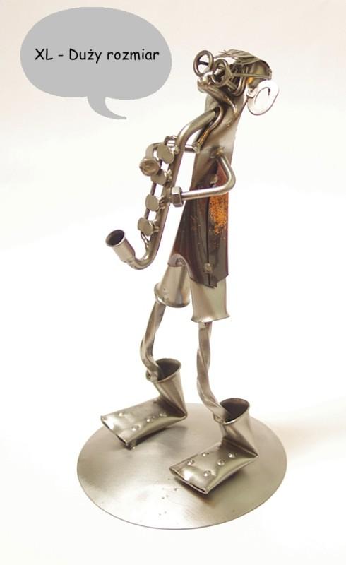 figurka saksofonista