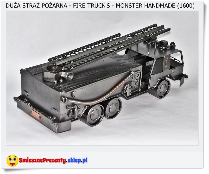 Duży model samochodu strażackiego