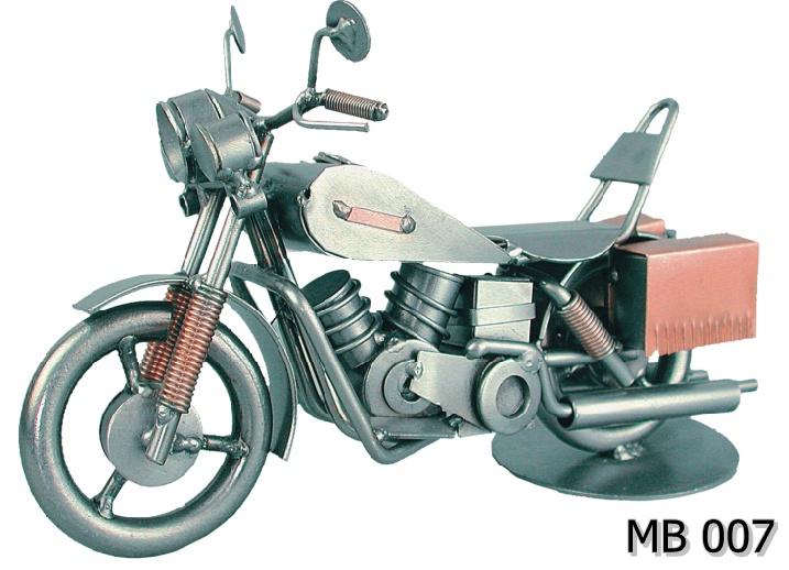Motor Harley metalowy model MB 007