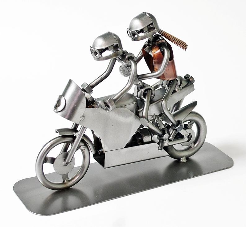 Model metalowy ścigacz