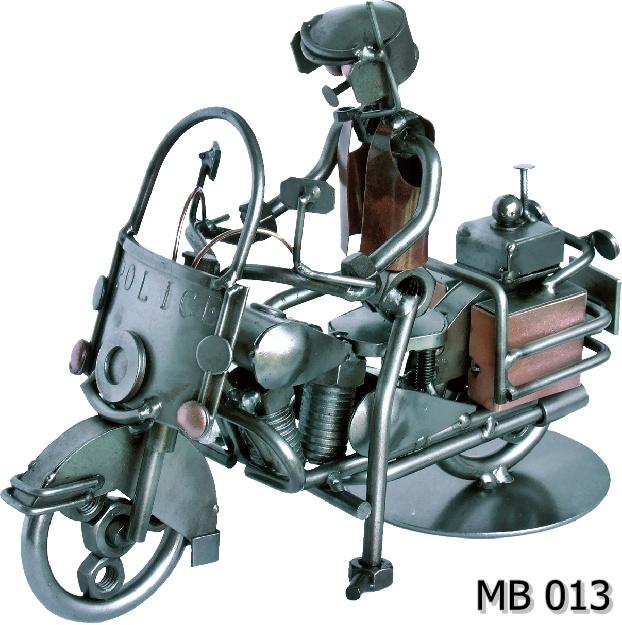 Drogówka policjant na motorze